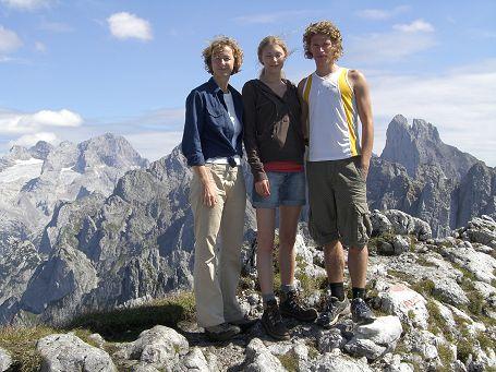 Drei am Gipfel des Donnerkogels
