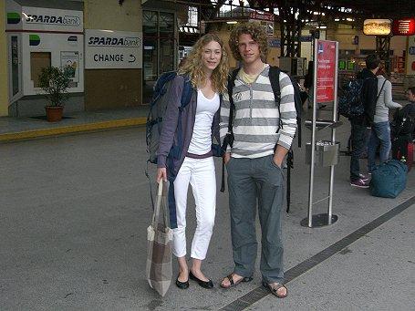 Lisi und Tim am Weg nach Thailand