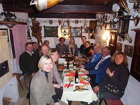 Hochzeotsgesellschaft in der Stube des Thannhauser Bauernmuseums